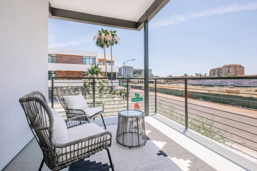 Wrap around balcony to enjoy the Arizona Sunshine
