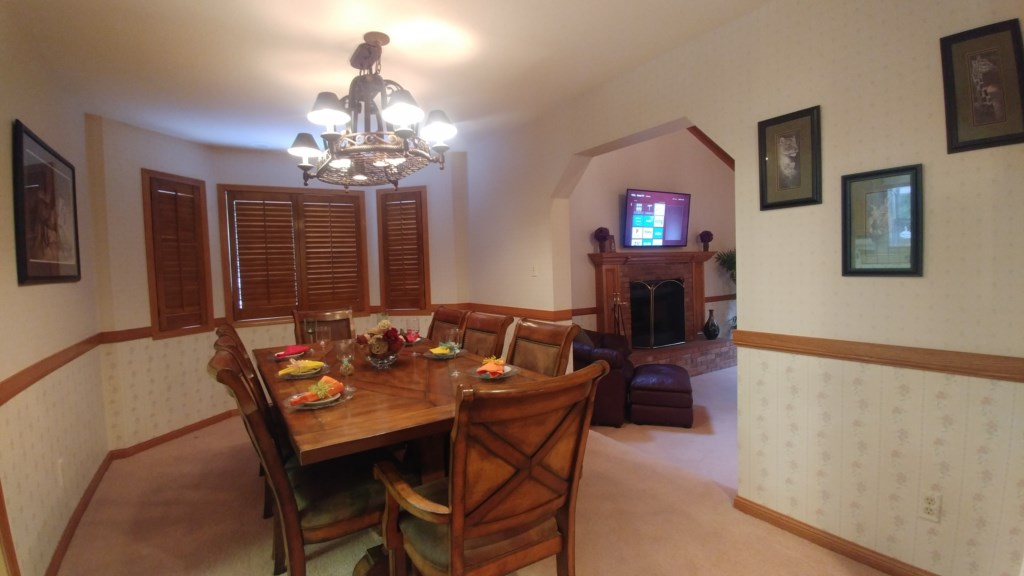 Family Dining Room Seats 8