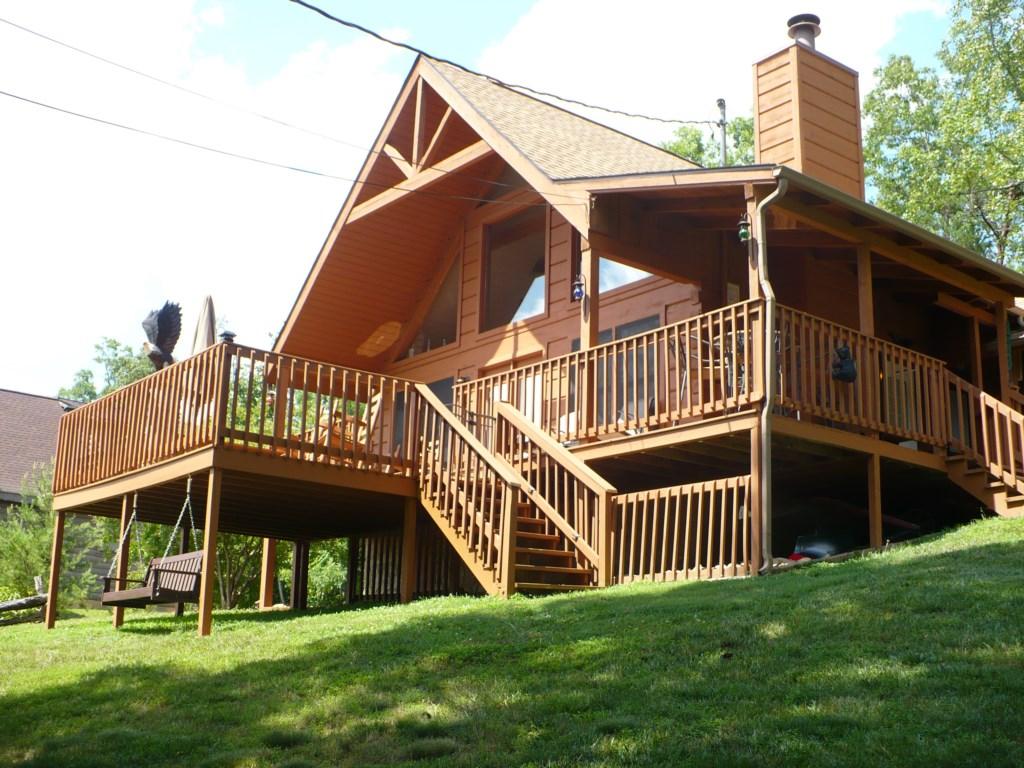 Enjoy this Stunning Wood Cabin