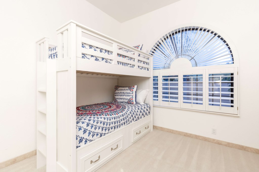 4th Bedroom with 4 Twin Beds (Bunk Beds)