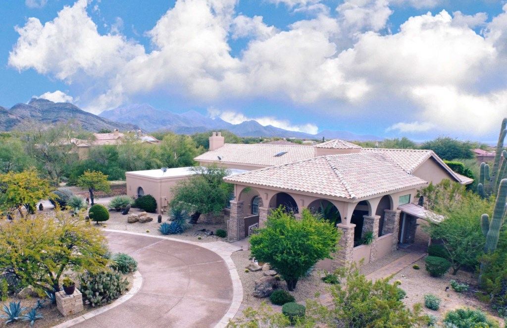STUNNING 5,500 Square Feet Estate