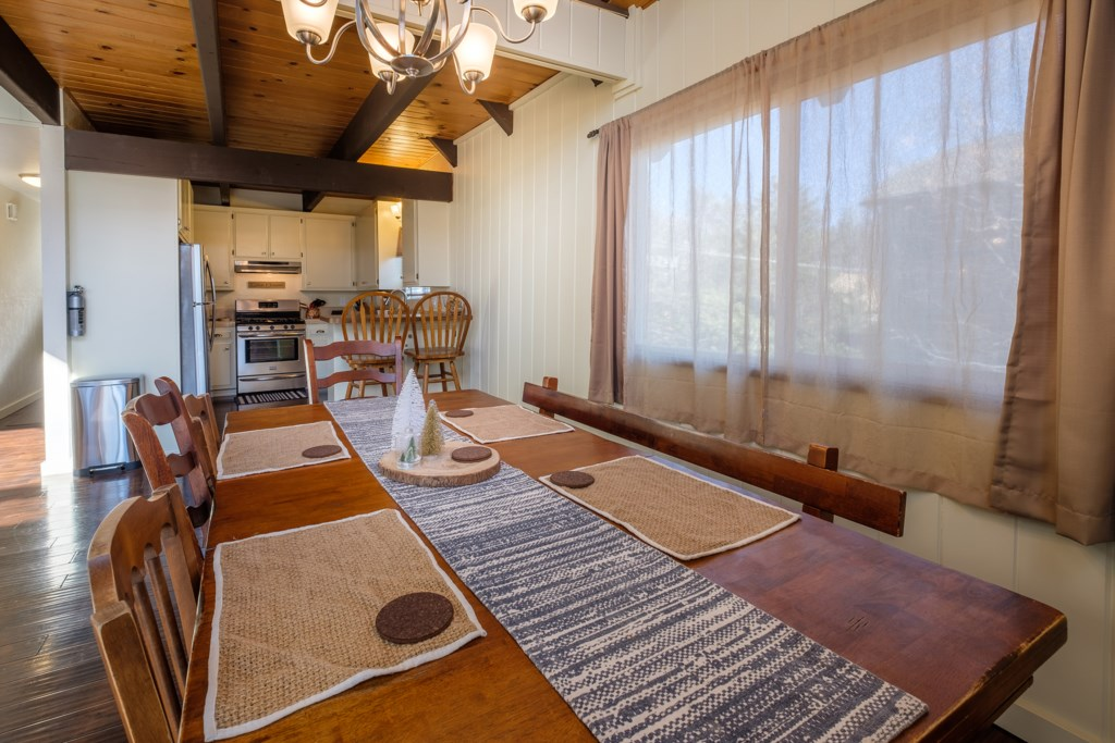 Dining Table to Seat 6-8 Guests