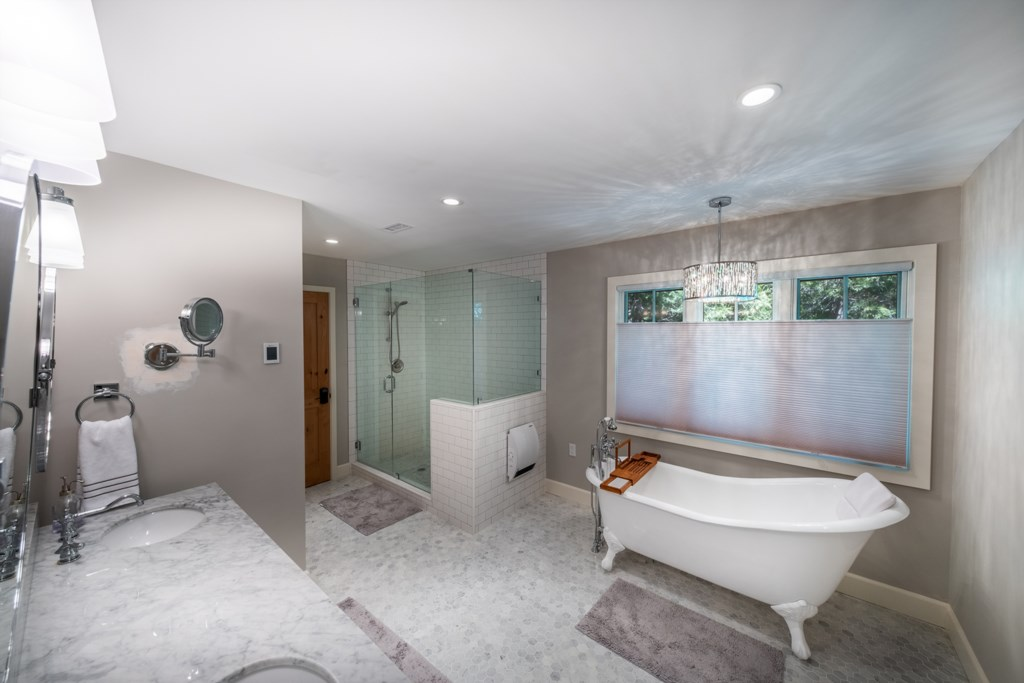 Luxurious Bath and Walk-in Shower