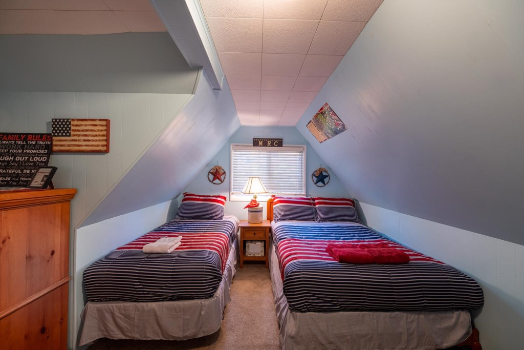 Dual Twin Beds for the Perfect Sleepover