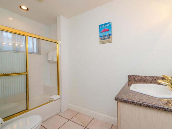 Bayview Bathroom 2 1.jpg