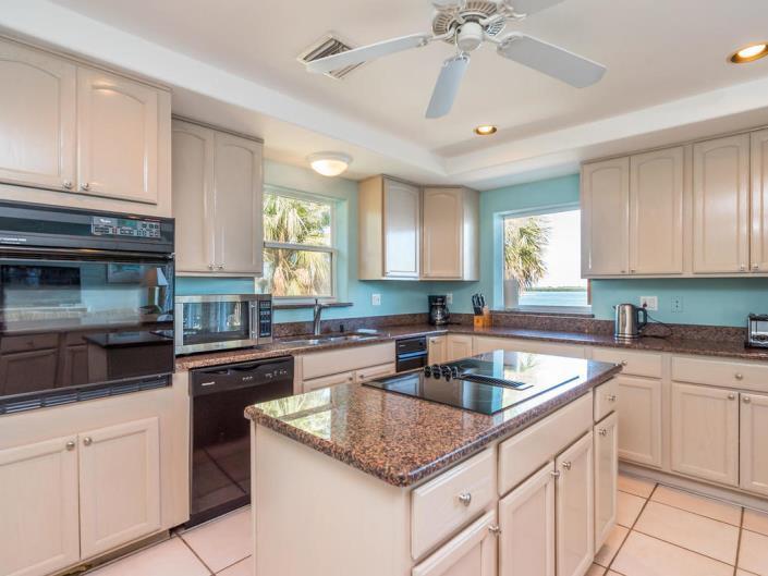 Bayview Kitchen 2.jpg