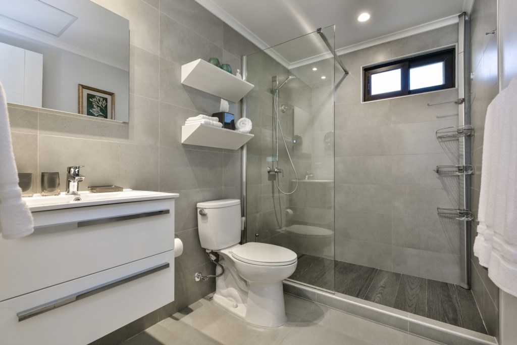 Two spacious bathrooms with hot water