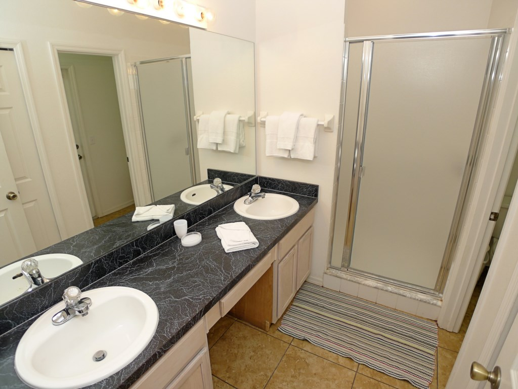 3 Bathroom Home Great for Large Families