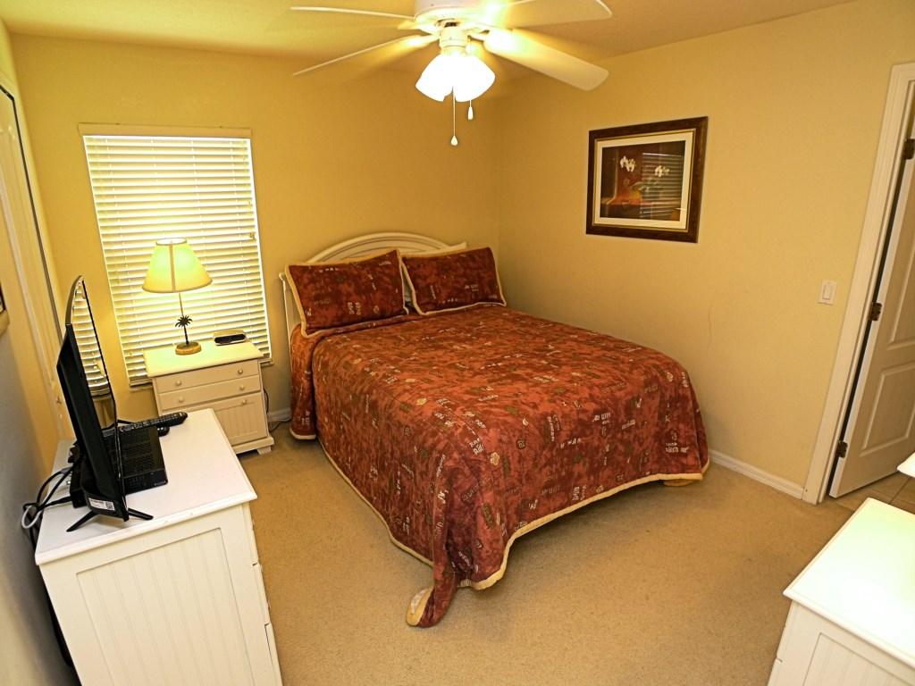 Home Sleeps 10 Guests in Comfort