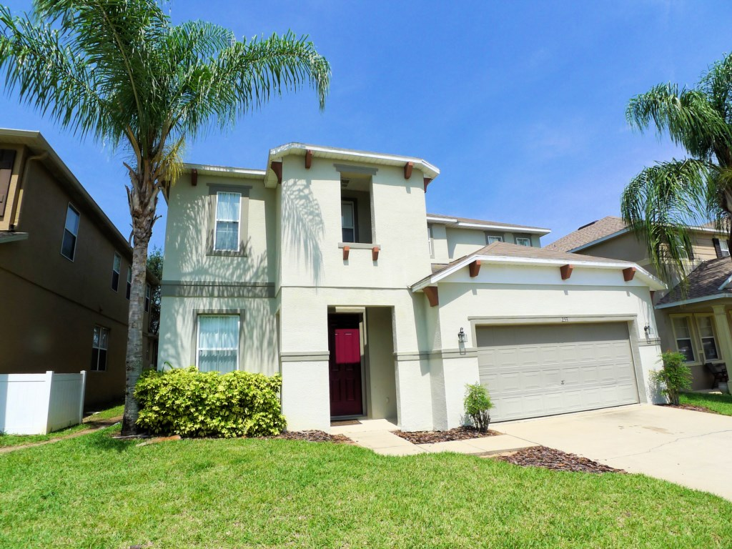 4 BED POOL HOME (253)