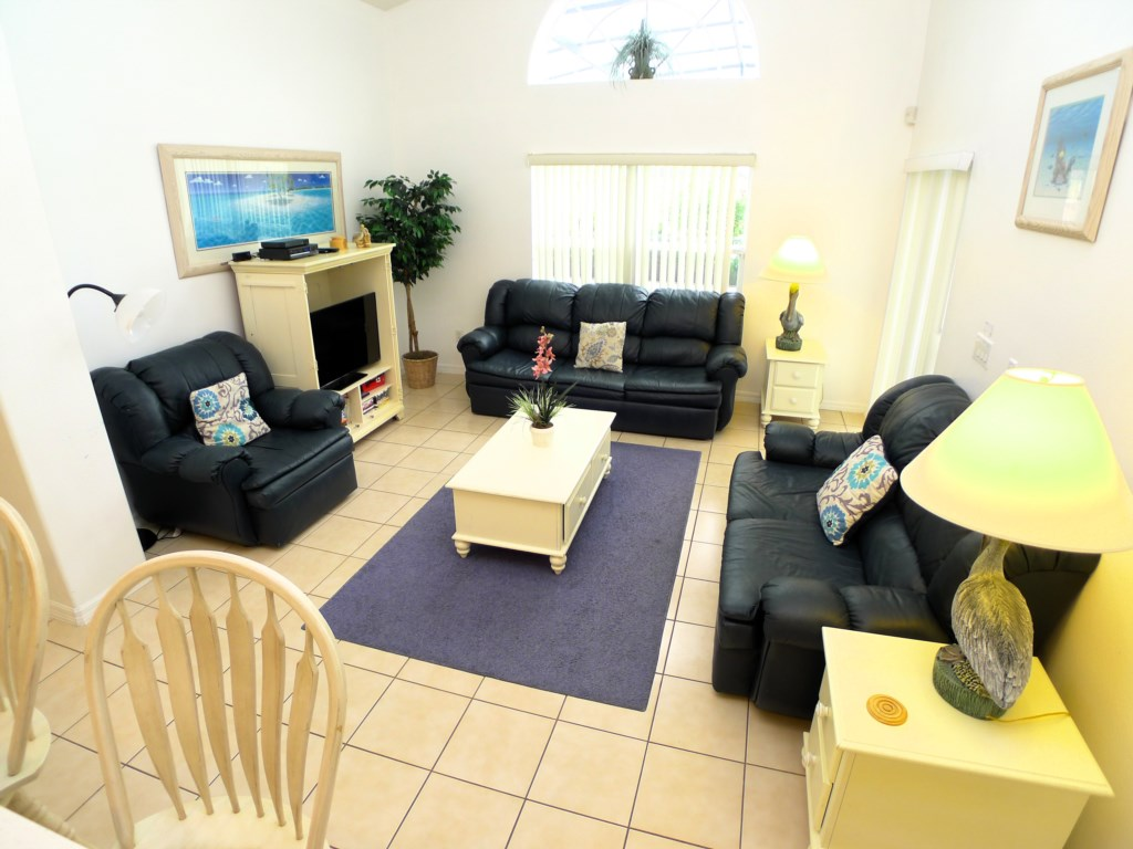 Spacious Living Room Perfect for Family Time