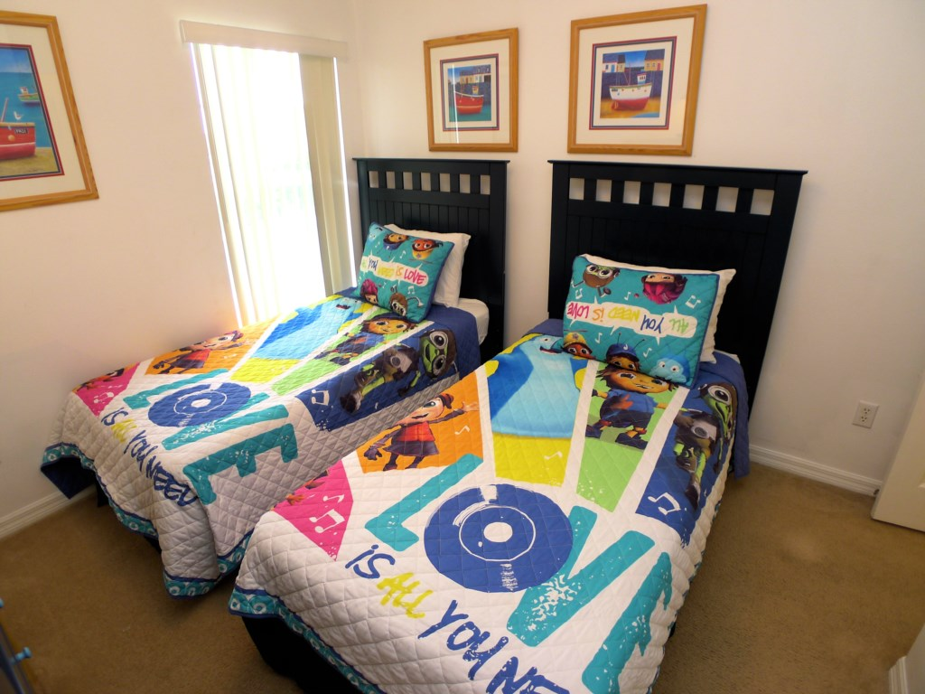 Twin Beds Perfect as Kids Room!