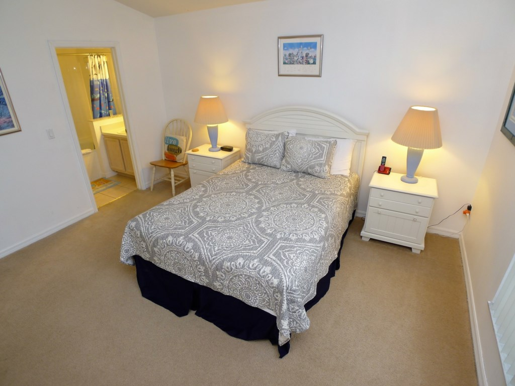 Sleeps 8 Guests in Comfort