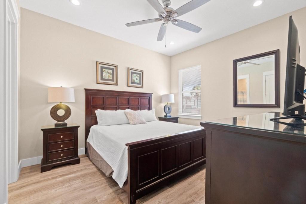 Level 1 King Bedroom #2