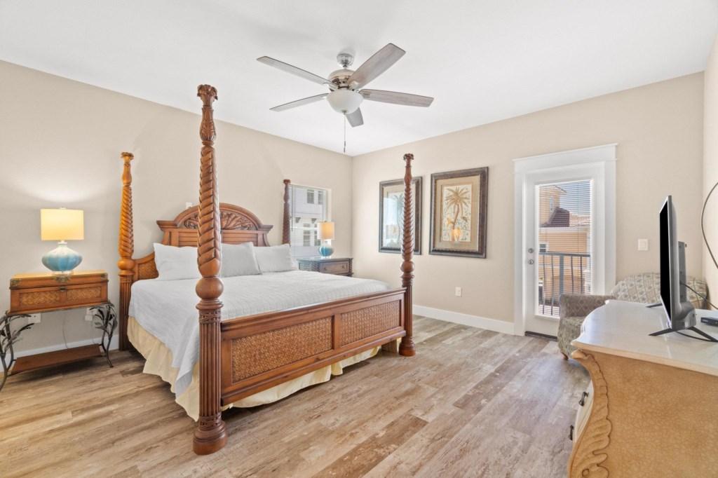 2nd Floor King Bedroom