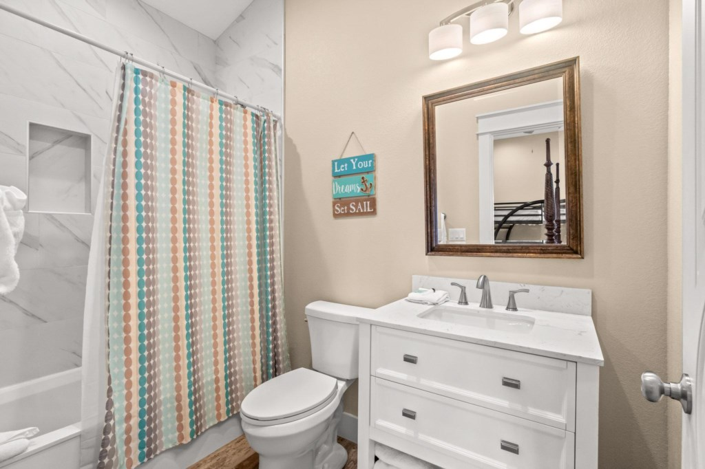 Bathroom for the Queen Room with Bunks