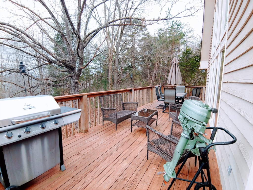 Porch with grill, perfect for BBQ