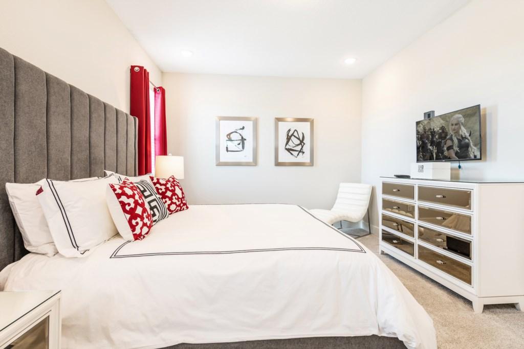 Bed 2-2.jpg
