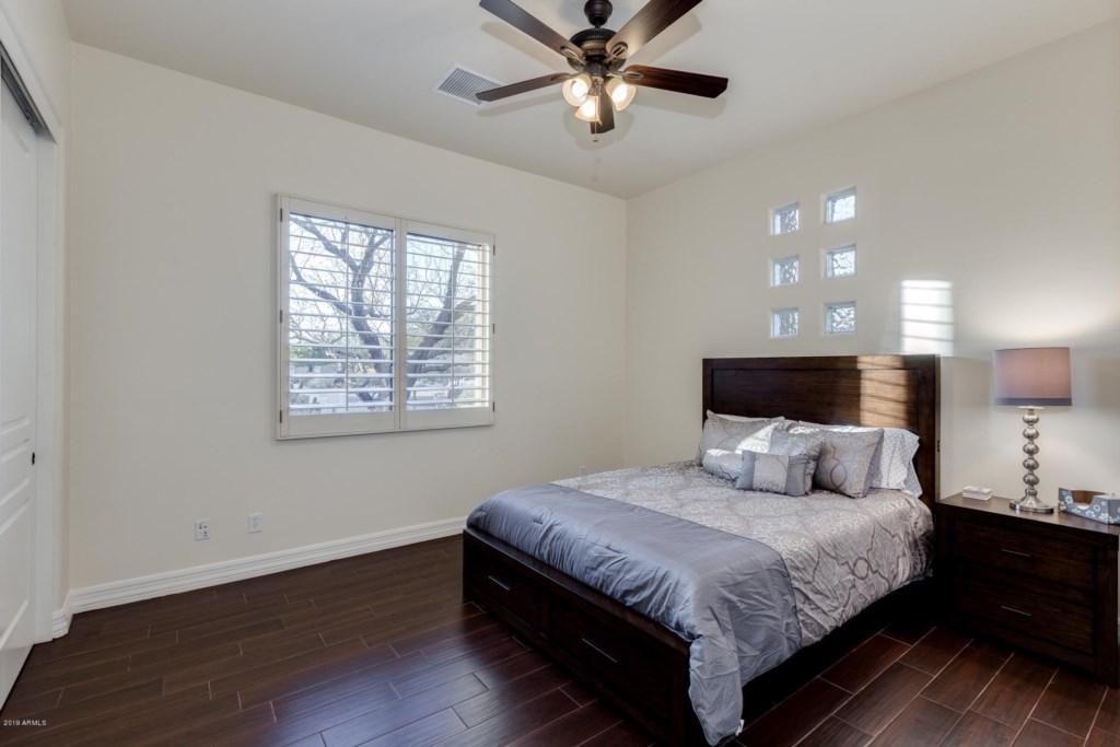 2nd Bedroom with Queen Bed and en-suite bathroom