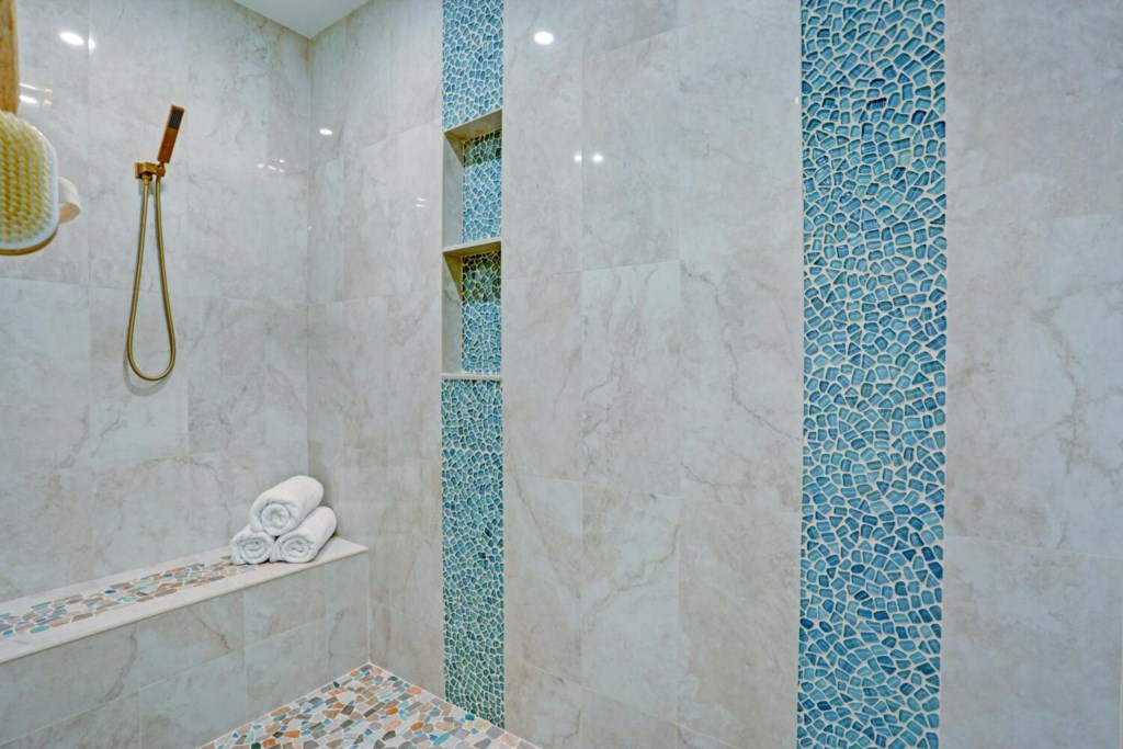 Spoil yourself in this dreamy brand new lux shower