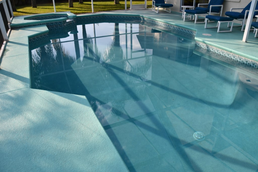 What better way to relax than sitting poolside after a busy day at Theme Parks