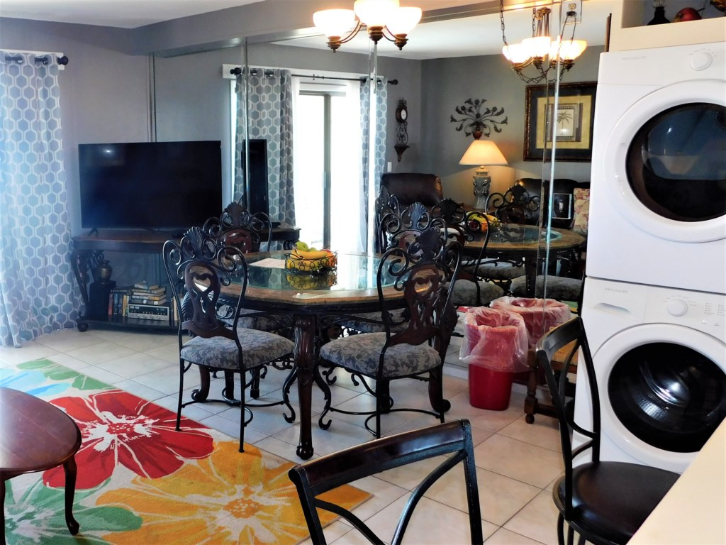 Dining Area in 1 Bdrm Units