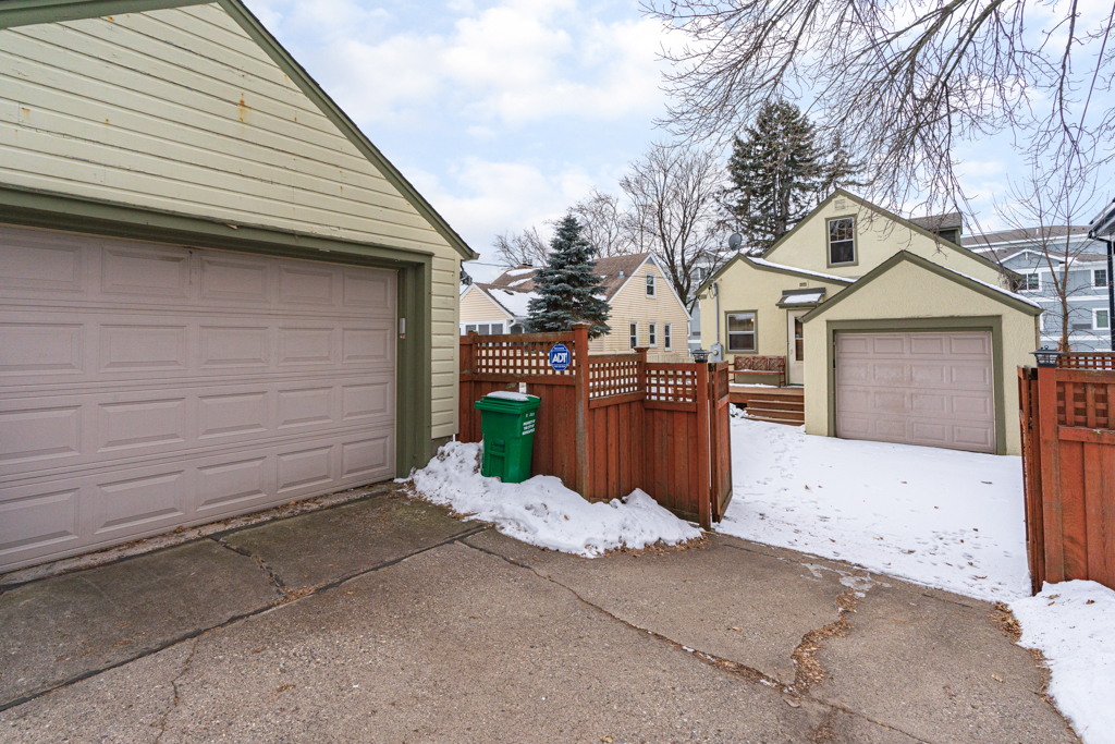 4941 Beard Ave S MLS-4.jpg