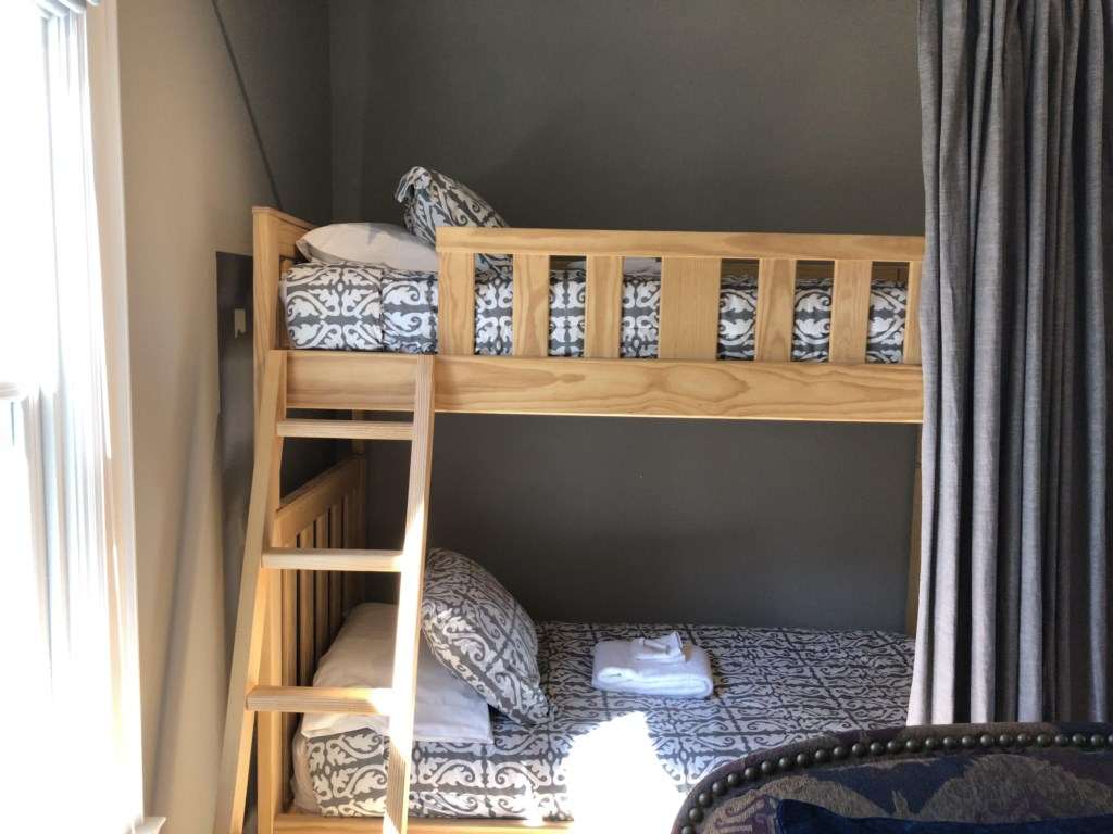 Bunkbeds for the children - Kindergarten Schoolhouse - Niagara-on-the-Lake