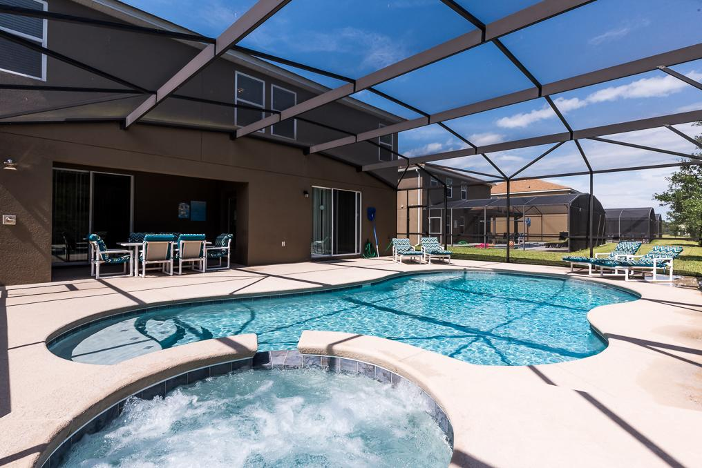 9116 pool deck.jpg