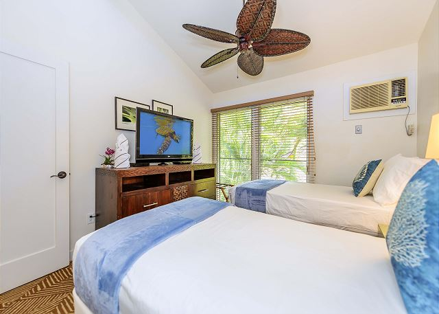 2nd Bedroom can be 1 King size bed or 2-twin beds!