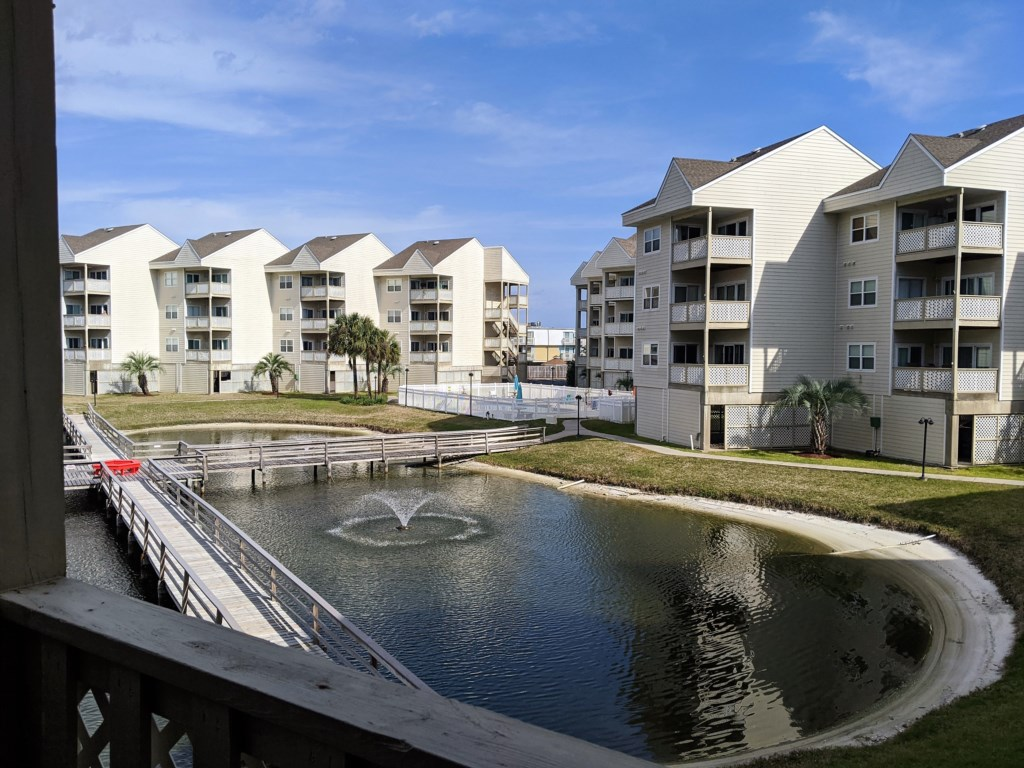 Ponds and walkways at Baywatch complex