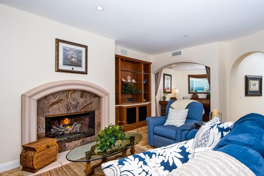 TheBluffSanClemente-livingroomviewwithfireplacelookingtowardoffice