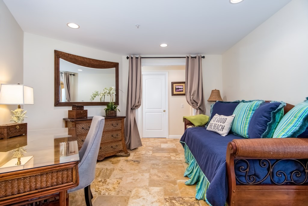 TheBluffSanClemente-officebedroom
