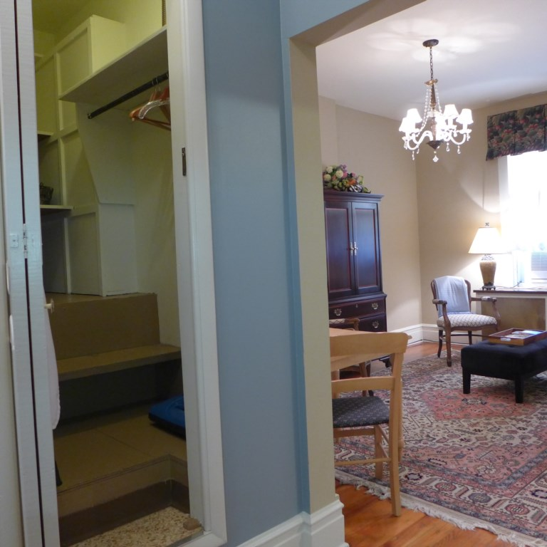 View from kitchen into living room and large walk-in closet of Anna's Retreat.