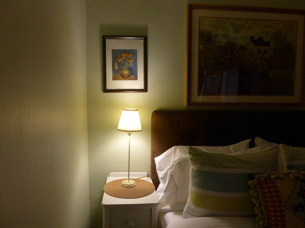Thoughtful night lighting in the Jessie Benton Suite.