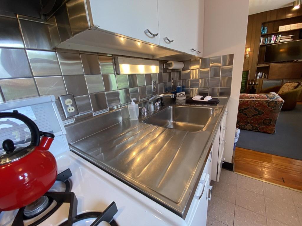 The Schreiber Suite's kitchen is delightfully retro.