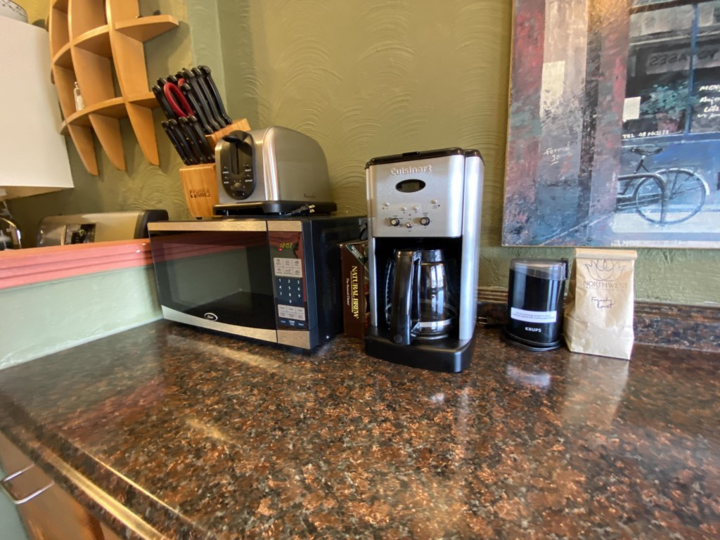 Coffee station and microwave. Before your arrival the Westminster will be stocked with freshly roasted coffee.