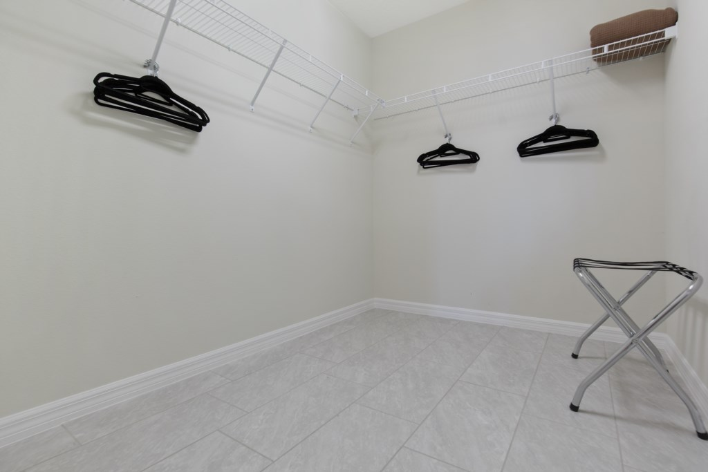 Grand closet with hangers