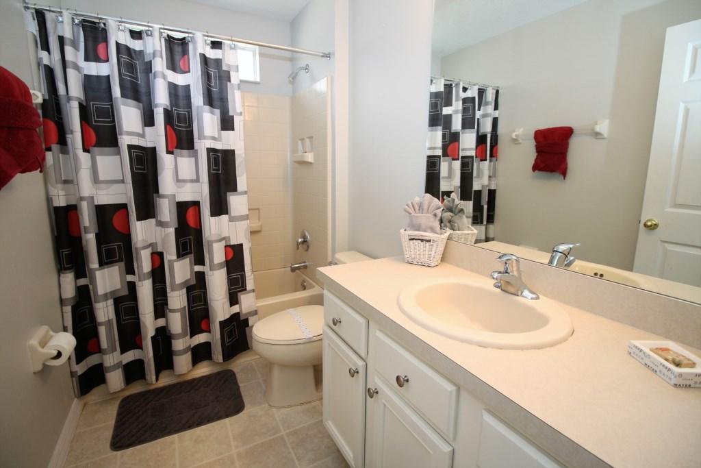 20.1125SeasonsBlvd,Familybathroom