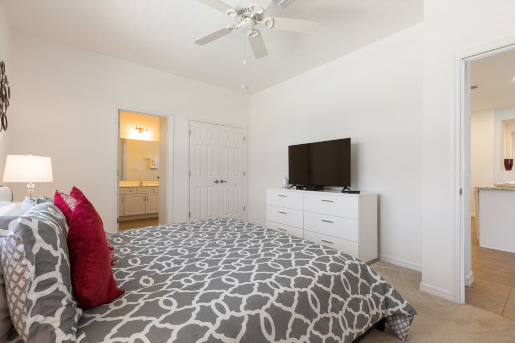 14.MasterSuite2withTV