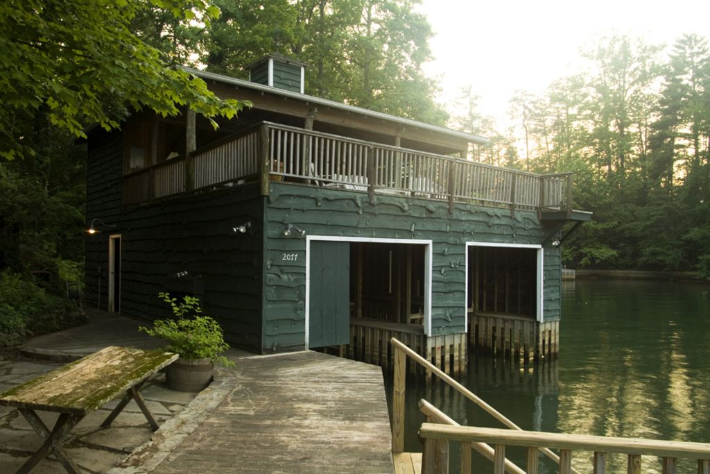 Boathouse, wooden steps into the lake, 'great room' above for entertaining