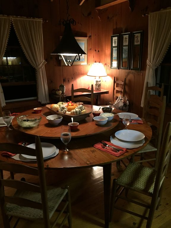 The lazy Susan table at thanksgiving