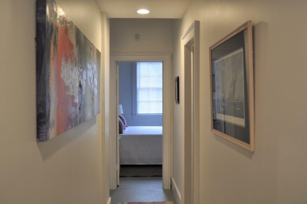 hallwaytorearbedrooms