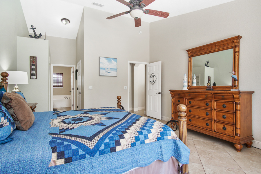 Bedroom 1 - Master 1 with King bed, ceiling fan, large closet, 32