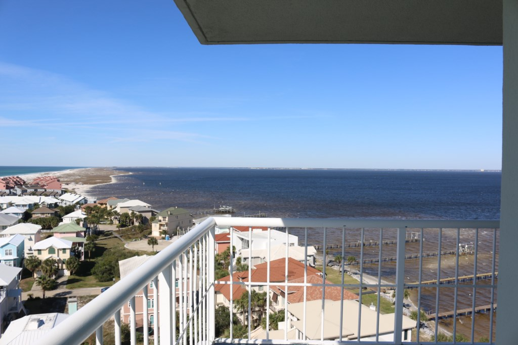 Corner views allow you to see the ocean and the bay!!