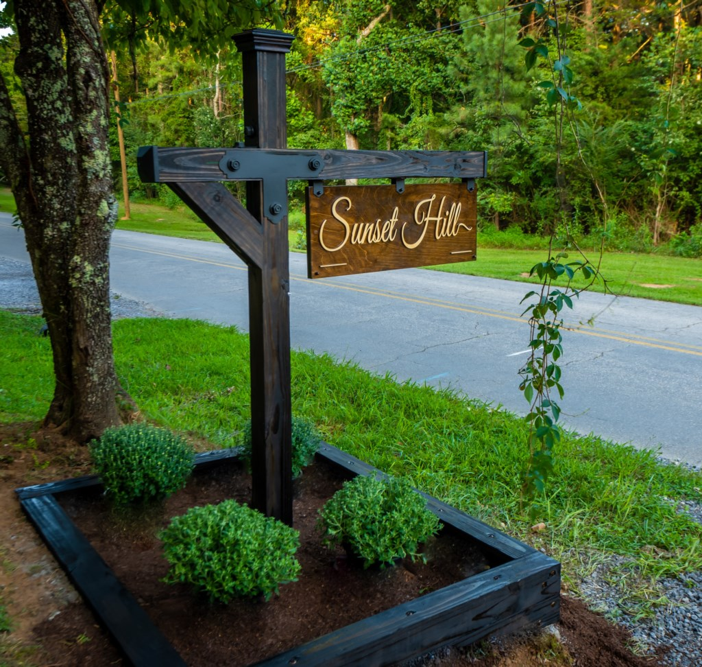 Sunset Hill Sign and Post.jpg