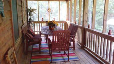 BackPorchDining1_380