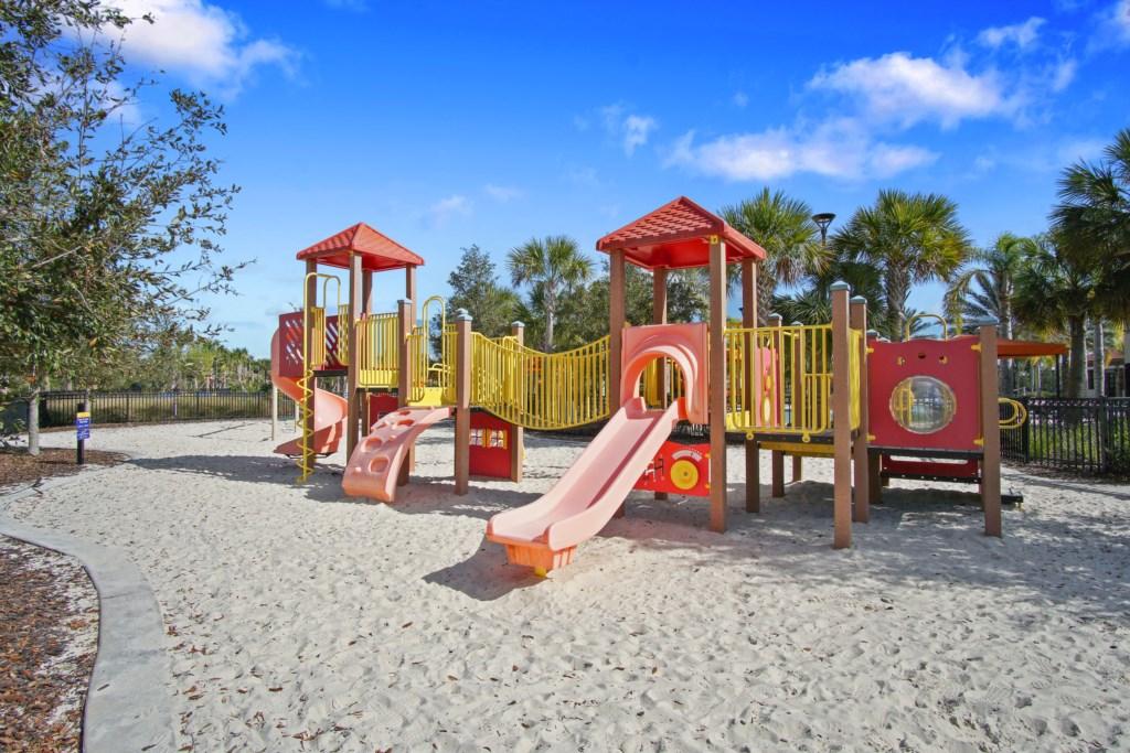 Playground / Tot Lot