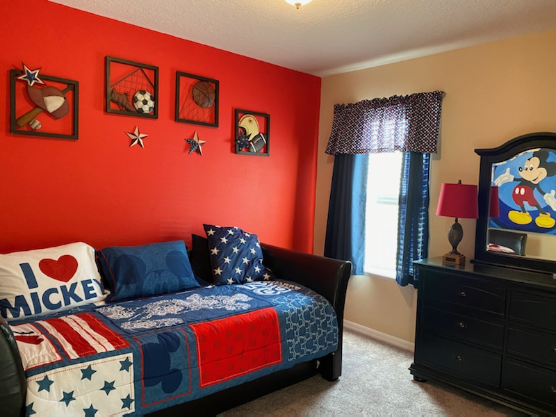 Bedroom 5 - Twin Beds - Mickey Theme