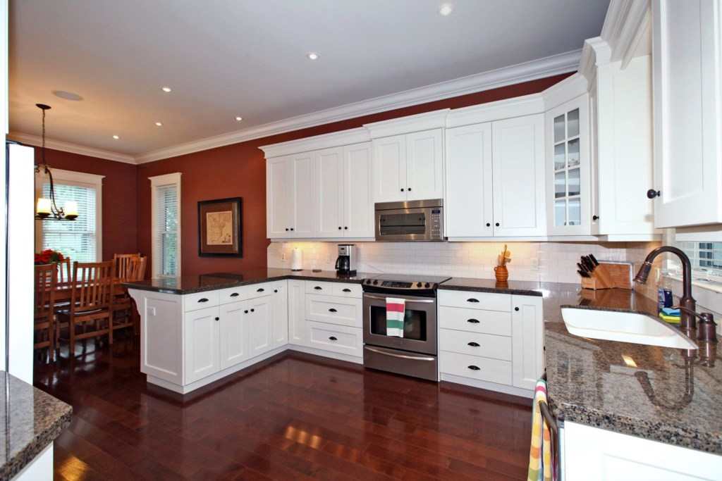 Fully Equipped Kitchen - Six Nations - Niagara-on-the-Lake
